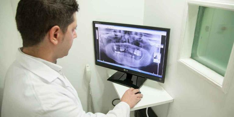 Do Cheap Dental Implants Exist?